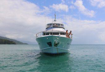 Bahama yacht charter lifestyle