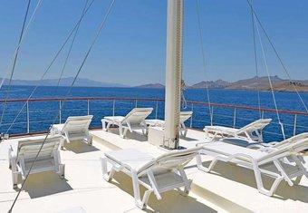 B&B 2 yacht charter lifestyle