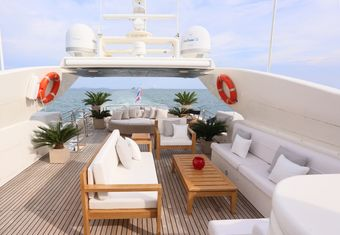 Blosson yacht charter lifestyle