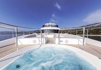 Oryx yacht charter lifestyle