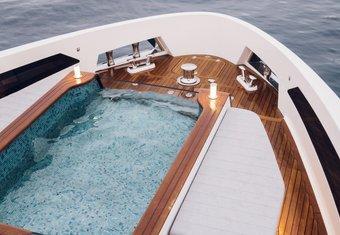 Moanna II yacht charter lifestyle