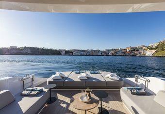 D&B yacht charter lifestyle