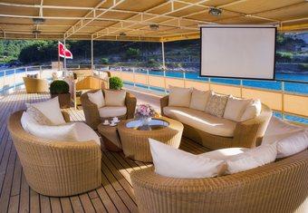 Seagull II yacht charter lifestyle