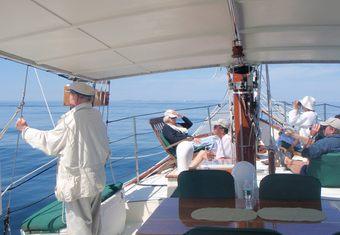 Bonnie Lynn yacht charter lifestyle