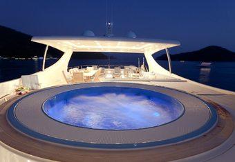 M&M yacht charter lifestyle