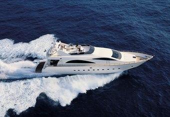 Jauni yacht charter lifestyle