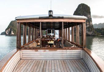 Maha Bhetra yacht charter lifestyle