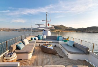 Happy Day yacht charter lifestyle