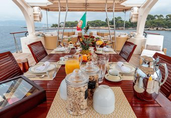 Arionas yacht charter lifestyle