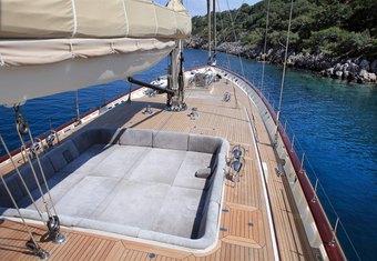 Zelda yacht charter lifestyle