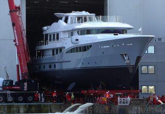 Serenity J yacht charter lifestyle