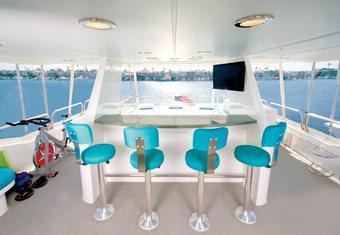 Serengeti yacht charter lifestyle