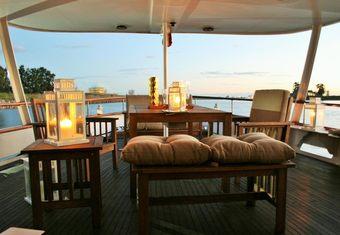 Falcao Uno yacht charter lifestyle