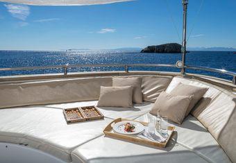 Paris A yacht charter lifestyle