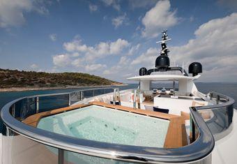 Samurai yacht charter lifestyle