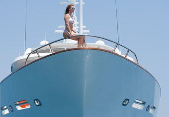 Mystic yacht charter lifestyle