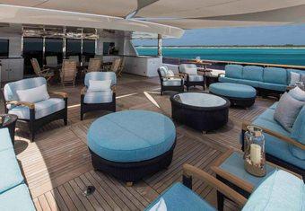 Unbridled yacht charter lifestyle
