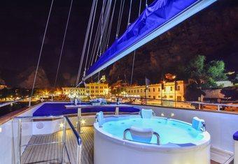 Saint Luca yacht charter lifestyle