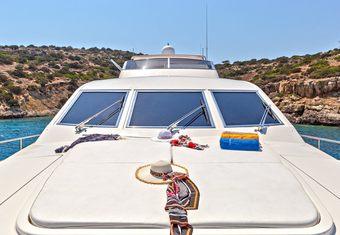 Efmaria yacht charter lifestyle