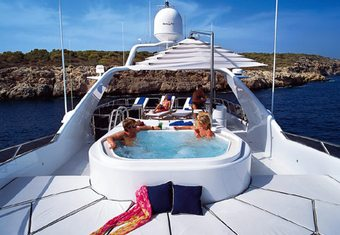 Inouis yacht charter lifestyle