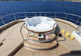 Magenta M yacht charter lifestyle