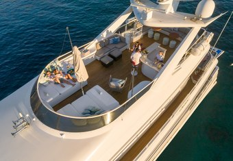 Envy yacht charter lifestyle