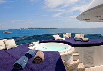 Lou Spirit yacht charter lifestyle