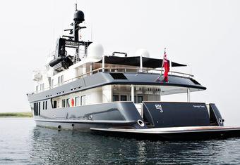RH3 yacht charter lifestyle