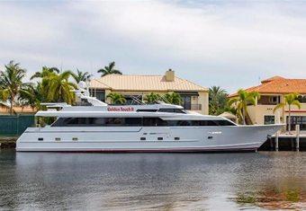 Bazinga yacht charter lifestyle