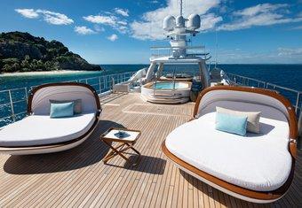 Driftwood yacht charter lifestyle