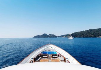 Itoto yacht charter lifestyle