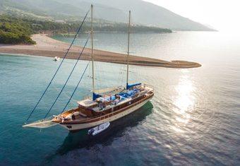 Tajna Mora yacht charter lifestyle