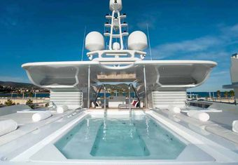 Triple Seven yacht charter lifestyle