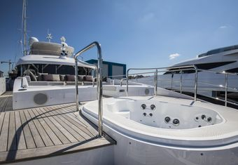 Seven yacht charter lifestyle