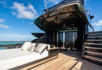 Rock 13 yacht charter lifestyle