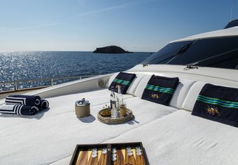 Vyno yacht charter lifestyle