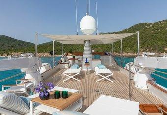 Vespucci yacht charter lifestyle