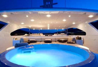 Viva Mas! yacht charter lifestyle