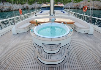 Queen of Salmakis yacht charter lifestyle