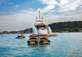 Canpark yacht charter lifestyle