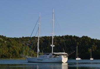 Dvi Marije yacht charter lifestyle
