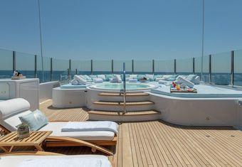La Mirage yacht charter lifestyle