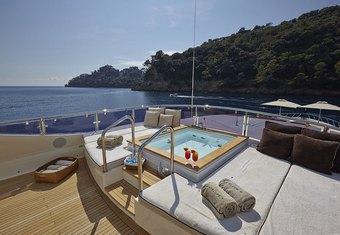 Antelope III yacht charter lifestyle