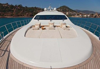 Oscar yacht charter lifestyle