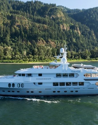 COVID-19 : Summer 2021 yacht charter destinations close to the USA