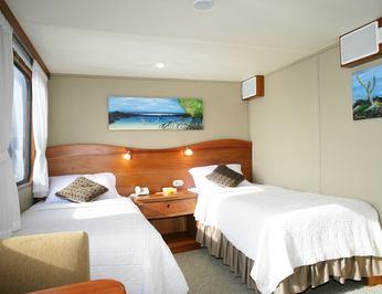Twin/King Convertible Cabin