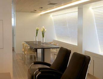 Seating & Dining Salon