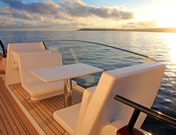 Side Deck - Seating