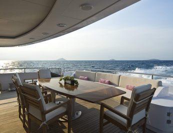 Aft Deck - Dining