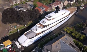 VIDEO: Feadship superyacht Syzygy 818 journeys through canals of Holland for sea trials